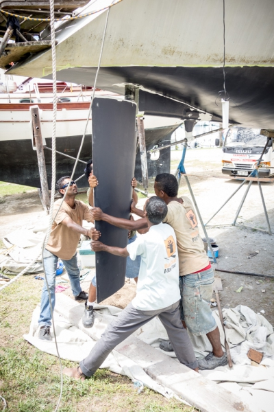 Reports from Fiji - Work on the boat